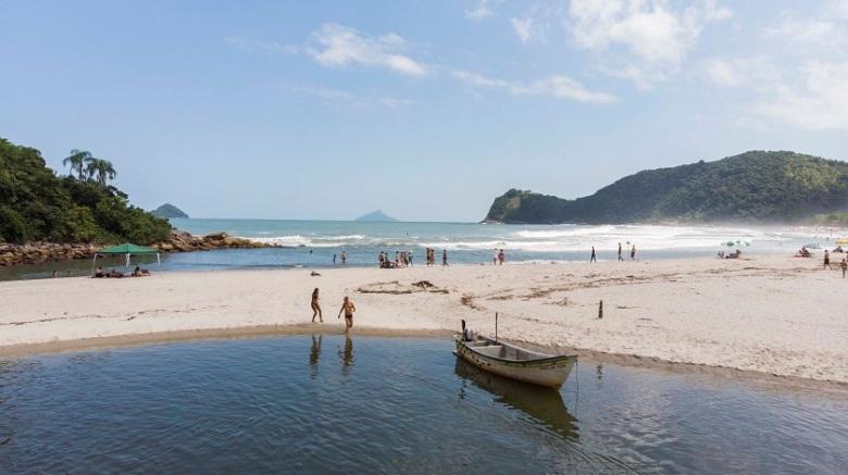 Brasil_Praia Camburi em São Sebastião_SP_Foto_Rogério Cassimiro