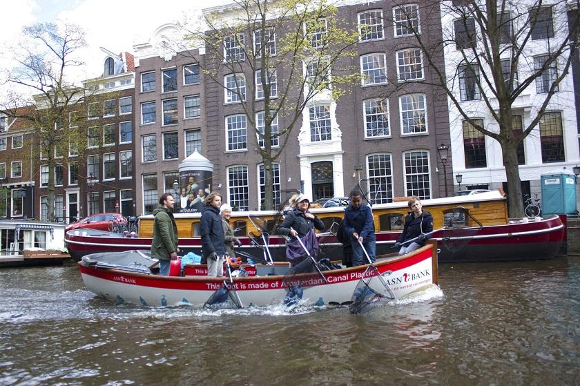 Plastic Whale Amsterdam/Foto Reprodução A City Made By People
