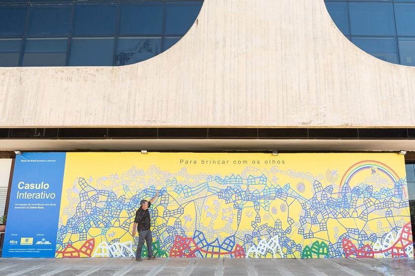 Darlan Rosa e o projeto Casulo interativo/ Foto Telmo Ximenes (61)
