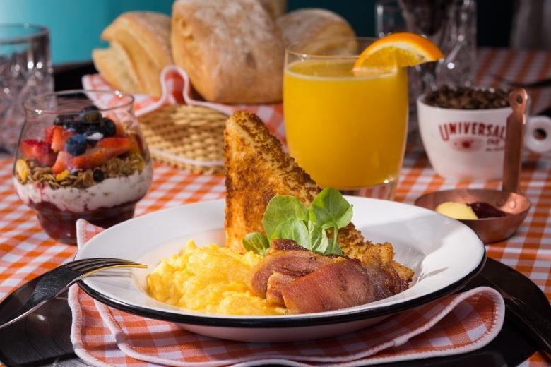 Brunch Restaurante Universal_Foto de Felipe Bastos-Colmeia Fotografias