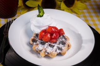 Waffle (com doce de leite artesanal D'Alice), a R$ 29